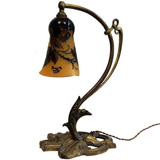 Secesní lampa