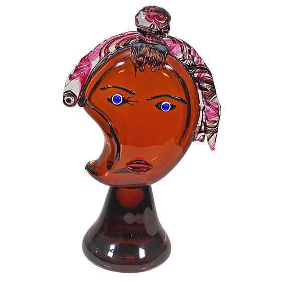 Velká skleněná hlava ženy